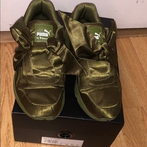 Olive green Fenty puma Bow sneakers